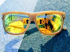 Stylische Sonnenbrille gold verspiegelt