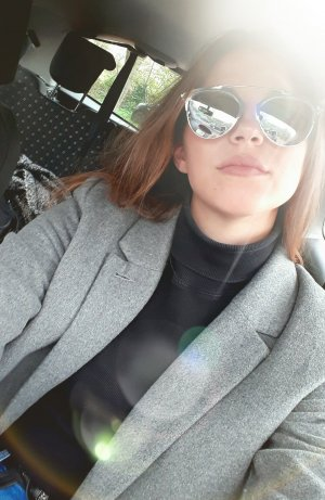 Stylische Sonnenbrille plus Etui