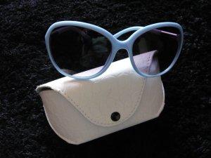 stylische Sonnenbrille von fiora blue mit Etui