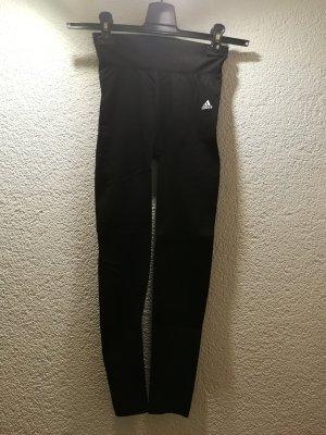 Stylische Sportleggins von Adidas