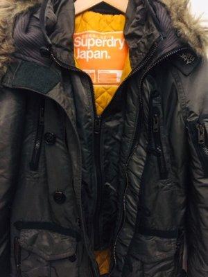 Stylische Superdry Winterjacke mit Kapuze