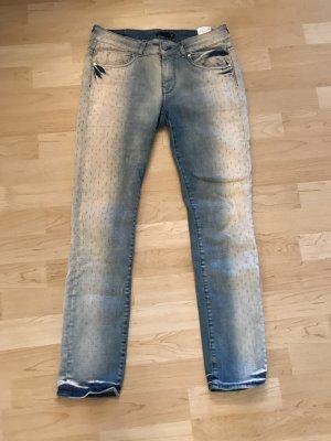 Stylische Supertrash Jeans
