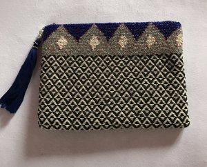 Stylische Tasche mit Perlen