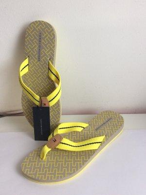 Stylische Tommy Hilfiger Flip-Flops
