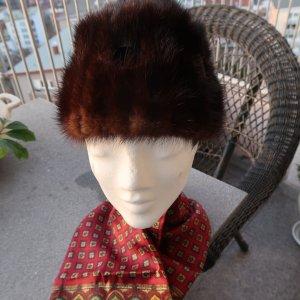 Chapeau en fourrure brun noir pelage