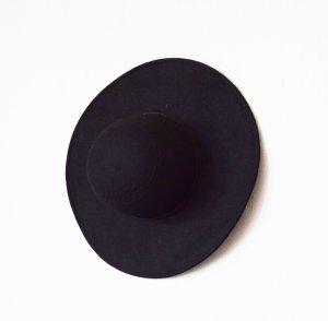 Urban Outfitters Pamela negro Fibra sintética