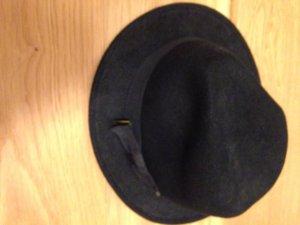 Stylischer Hut in Schwarz von H&M
