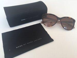 Stylischer Klassiker: Sonnenbrille von Marc by Marc Jacobs