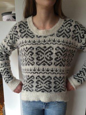 stylischer Kuschle Pullover Größe S