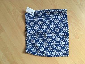 stylischer Mini-Sommerock in Blau und weiß