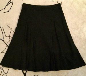 Stylischer schwarzer Tellerrock von H&M, Taillenrock, ausgestellt