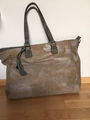Stylischer Shopper mit metallic Effekt