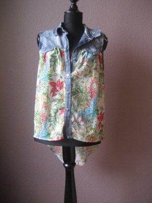 Stylisches buntes Sommerhemd