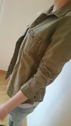 stylisches Jeanshemd von Zara mit schönem Muster am Rücken