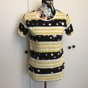Stylisches T-Shirt mit Sternen