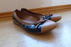 stylishe Ballerinas dunkelblaues Lackleder cognacfarbene Details 39