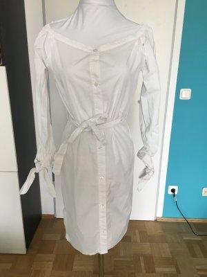Stylishes Kleid von Edited the label, weißes Hemdkleid, knielang, mit Carmenausschnitt und Gürtel