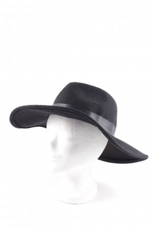 Subdued Woolen Hat black street-fashion look