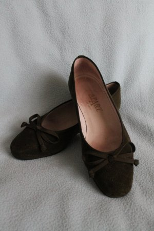 Apart Ballerinas olive green suede