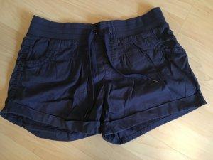 süße blaue Shorts für den Sommer