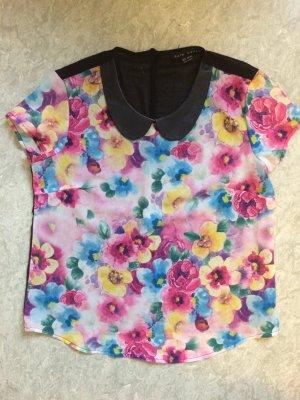 Süße Bluse mit Blumen und Kragen