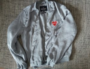 Review Blouson gris-rouge