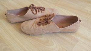 süße   braune Schuhe