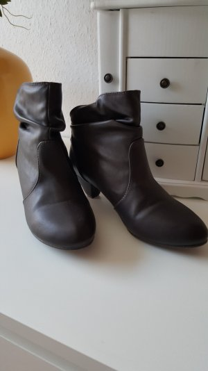 Slouch Booties brown