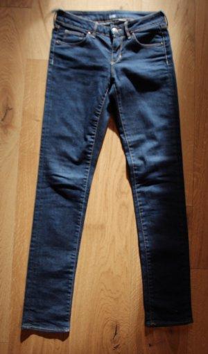 Süße dunkelblaue Röhrenjeans von H&M NEU W26