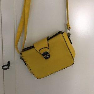Süße gelbe Tasche