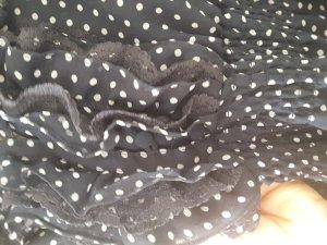 süße gepunktete Bluse