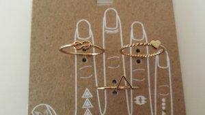 Süße goldfarbene Ringe 3er Set