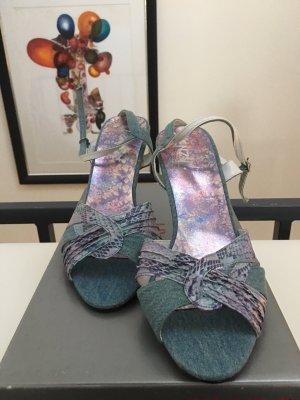 Süße hellblaue Riemchen Sandaletten in Jeans & Schlangenoptik