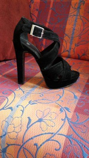 Süße High Heels Sandaletten aus Samt