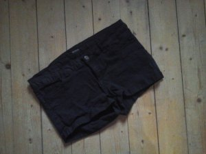 Süsse Hotpants Jeans Shorts schwarz Gr. 40 Top