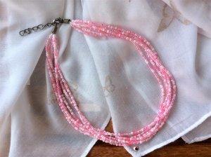 Süße Kette aus Miniglasperlen in sommerlichem rosé-pink