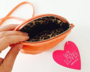 Süße kleine Handtasche Korallefarben mit Leoprint Innenfutter *H&M* ungetragen
