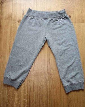Süße kleine Sport-Hose von Zara Basics