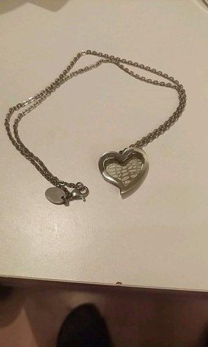 Süße, kurze Herz-Halskette