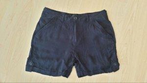 Süße leichte Shorts.