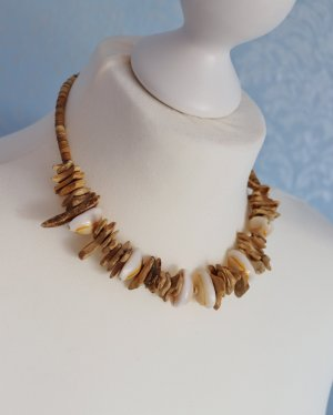 Shell Necklace multicolored wood