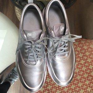 Süße Nike Thea Premium metallic Silber Blogger Silver 39/40