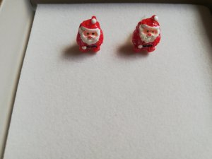 Ear stud white-red