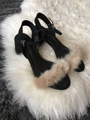 Süße Plüsch Sandalen von Zara