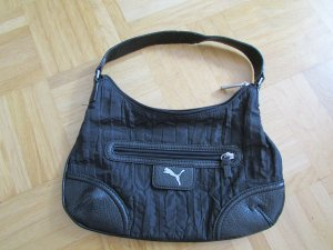 Süße, praktische Handtasche von Puma aus schwarzem Stoff