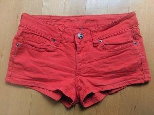 Süße, rote Hotpants von Fishbone