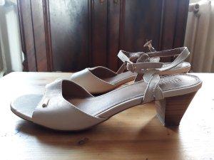 Sandalen met bandjes room