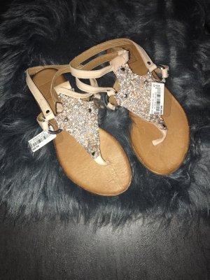 Süße Sandalen neu und ungetragen