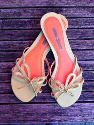 Süße Sandalen von Buffalo