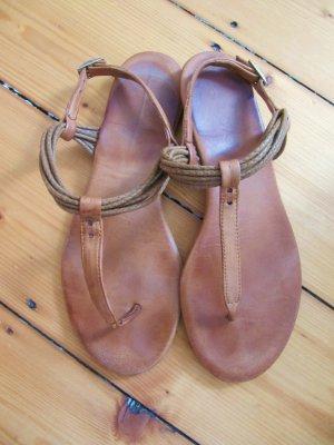 Süße Sandalen von INUOVO Leder Römer Hippie Zehensteg FlipFlops